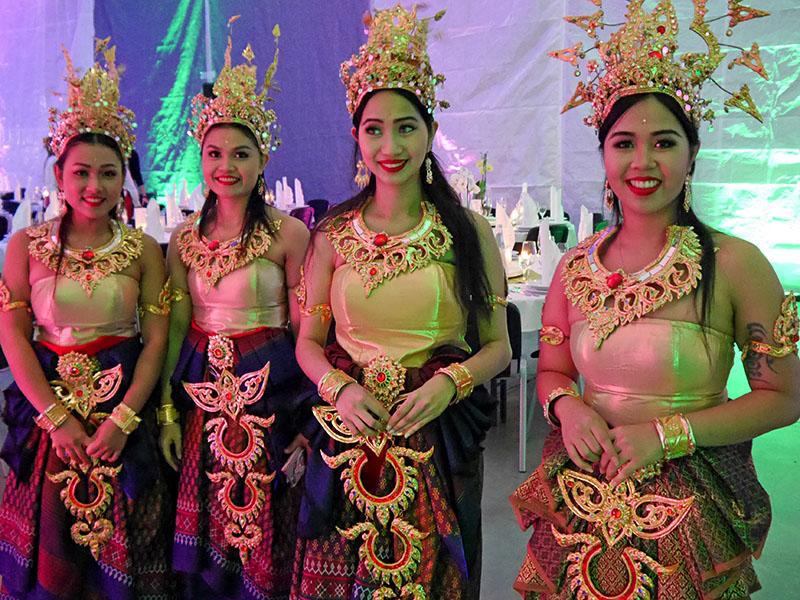 Asiatische Damen